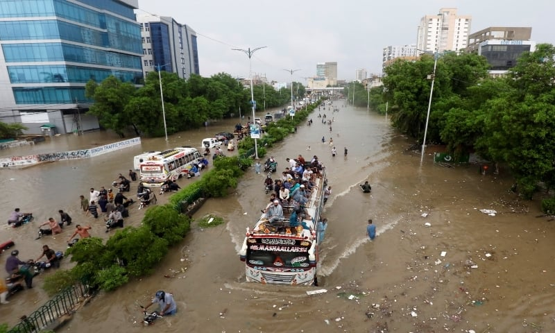 10 more die as major parts of Karachi remain powerless a day after record  rain - Pakistan - DAWN.COM